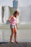 Meisje in een roze vest stock foto's