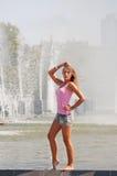 Meisje in een roze vest stock afbeeldingen