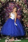 Meisje in een slimme blauwe en witte baltoga royalty-vrije stock foto's