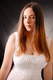 Meisje in een Witte Kleding stock afbeeldingen