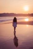 Meisje in een Witte Kleding Royalty-vrije Stock Foto's