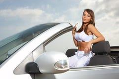 Meisje en Auto Royalty-vrije Stock Foto's
