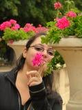 Meisje en bloemen Stock Afbeelding