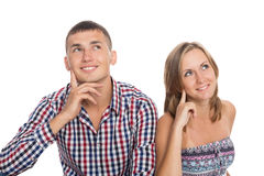 Meisje en de kerel die zorgvuldig omhoog eruit zien Stock Afbeelding