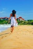 Meisje en het strand stock foto