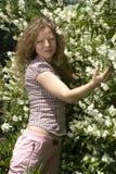 Meisje en jasmijn Stock Fotografie