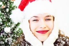 Meisje en Kerstboom Royalty-vrije Stock Foto