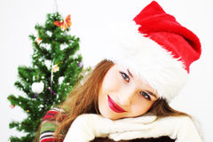 Meisje en Kerstboom Stock Afbeeldingen