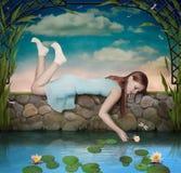 Meisje en Lelies Royalty-vrije Stock Afbeeldingen