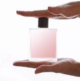 Meisje en parfum royalty-vrije stock fotografie