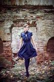 Meisje en ruïnes Royalty-vrije Stock Foto's