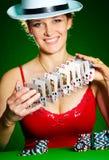 Meisje en speelkaarten Royalty-vrije Stock Foto