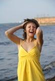 Meisje in geel Royalty-vrije Stock Foto