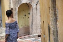 Meisje in Grasse Frankrijk royalty-vrije stock fotografie