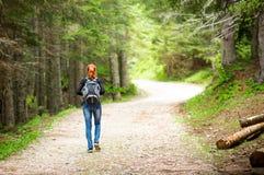 Meisje in het bos Royalty-vrije Stock Fotografie