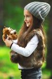 Meisje in het bos Royalty-vrije Stock Afbeelding