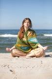 Meisje het mediteren Stock Foto