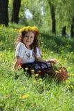 Meisje in het Oekraïense nationale kostuum. stock foto's