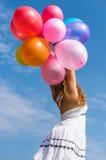 Meisje het spelen met ballons Stock Foto