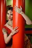 Meisje in Indisch nationaal kostuum Royalty-vrije Stock Afbeelding