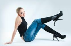 Meisje in jeans Stock Foto's