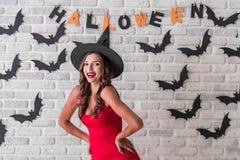 Meisje klaar voor Halloween-partij Royalty-vrije Stock Foto