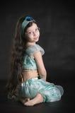Meisje in kleding van prinses Stock Foto