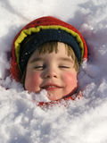 Meisje in kleurrijke de winteruitrustingen Royalty-vrije Stock Foto's