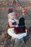 Meisje in kostuum royalty-vrije stock foto