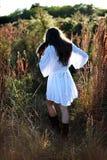 Meisje in land Stock Afbeeldingen