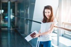 Meisje in luchthaven Royalty-vrije Stock Fotografie