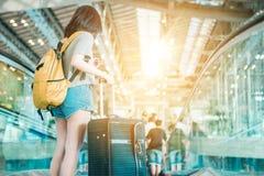 Meisje in luchthaven Stock Fotografie