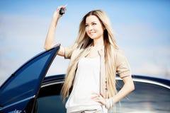 Meisje met auto Stock Afbeelding