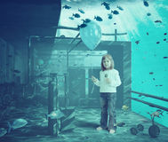 Meisje met bal onderwater vector illustratie