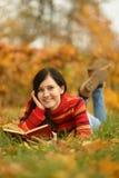 Meisje met boek Royalty-vrije Stock Fotografie