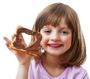 Meisje met brood met chocoladeboter Royalty-vrije Stock Foto's