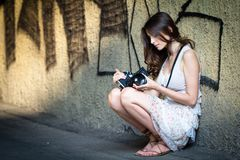 Meisje met camera Stock Foto's