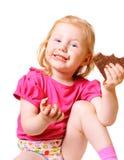 Meisje met chocolade dat op wit wordt geïsoleerdo Stock Afbeeldingen