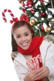 Meisje met de geweitakken van het suikergoedriet Stock Afbeelding