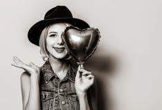 Meisje met de impuls van de hartvorm royalty-vrije stock afbeeldingen