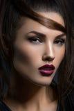 Meisje met donkere lippen royalty-vrije stock fotografie