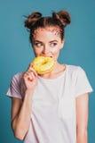 Meisje met donuts Royalty-vrije Stock Foto