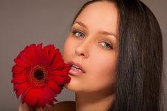 Meisje met een bloem Royalty-vrije Stock Afbeeldingen