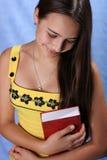 Meisje met een boek Stock Foto