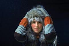Meisje met een bont GLB Stock Afbeeldingen