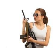 Meisje met een geweer M16 Stock Foto's