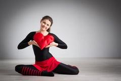 Meisje met een hart in zijn handen Royalty-vrije Stock Foto