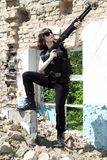 Meisje met een jachtgeweer Royalty-vrije Stock Afbeeldingen