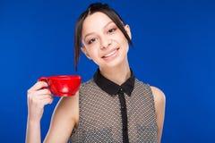 Meisje met een kop Royalty-vrije Stock Fotografie
