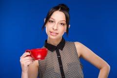 Meisje met een kop Royalty-vrije Stock Foto's